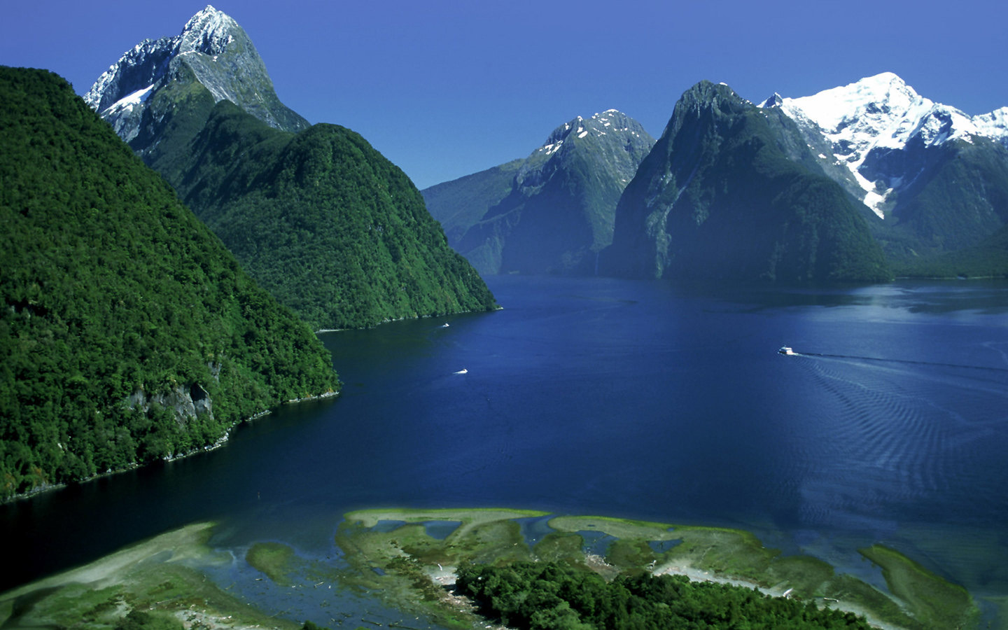 ?image=Manzara/new zealand Fiordland-National-Park.jpg
